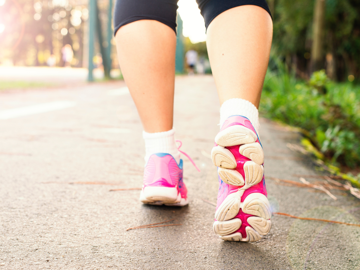 Brisk Walking Lessens Risks Linked to Hours of Sitting